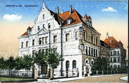 Speyer, Große Pfaffengasse 6: Gymnasium.