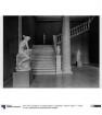 Blick in die Ausstellung der Nationalgalerie, Treppenhaus